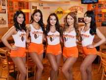 HOOTERSビアガーデン01