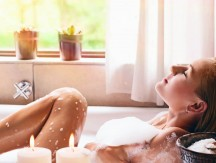 Pretty,Woman,Relaxing,In,The,Bathtub,,Spending,Peaceful,Time,In