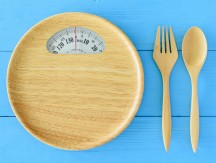 Intermittent,Fasting,,Diet,And,Weight,Loss,Concept,:,Wood,Dish